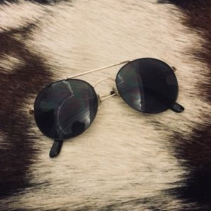 Urban Outfitters Round Sunnies
